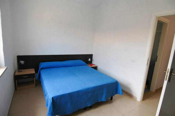 Camera matrimoniale in appartamento nuovo in Calabria